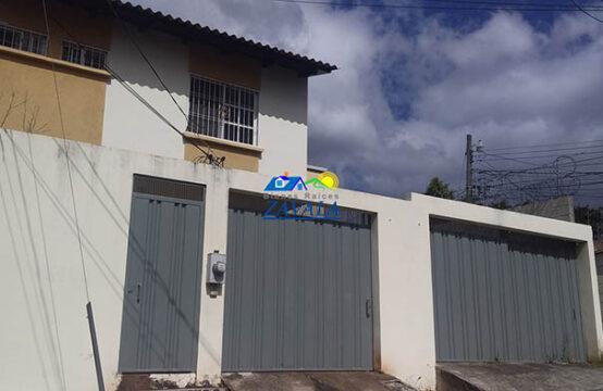 Casa ubicada en calle principal de Residencial PLAZA