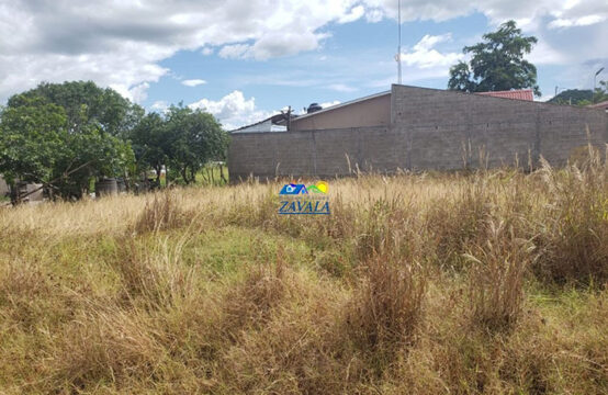 Terreno de esquina en la Col. El porvenir Norte, Juticalpa.