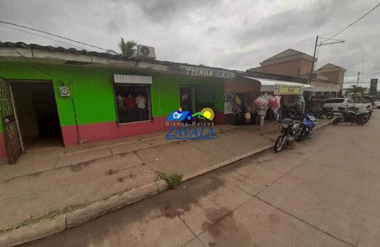 Local comercial ubicado frente al Boulevard las Acacias, Catacamas