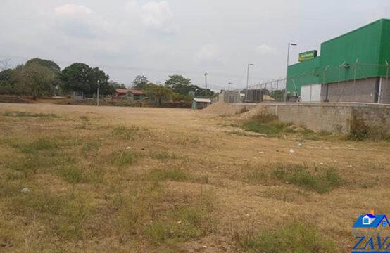 Terreno ubicado contiguo a MAXI DESPENSA, Catacamas