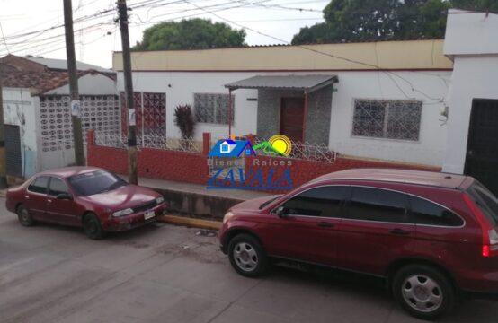 Casa en Barrio Las Flores, Juticalpa, a 2 cuadras del Parque Central