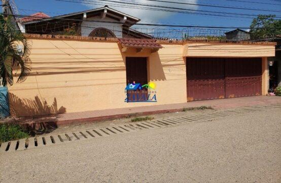 Casa en Barrio Belen, Juticalpa, Calle de la Región